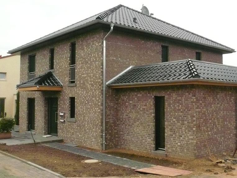 Referenzen: Einfamilienhaus mit neuen Fenstern